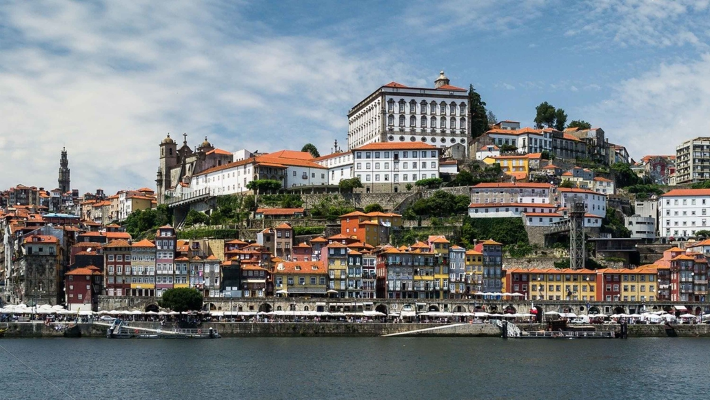 Best party hostels in Porto