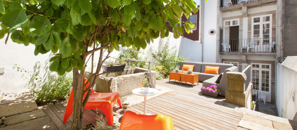 Porto loung hostel _ guesthouse (from their own website)
